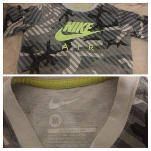 Boy's Nike camo shirt